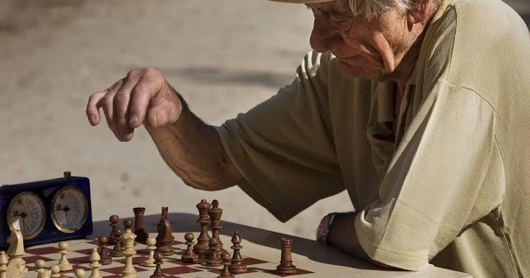 10 ejercicios de agilidad mental para mayores, y su importancia